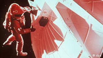 Szene aus dem Science-Fiction Kultfilm 2001 - Odyssee im Weltraum von Stanley Kubrick 2001: A Space Odyssey Kalenderblatt
