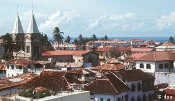 Tansania - Sansibar Blick vom Haus der Wunder auf die Hafenstadt Sansibar. (Undatierte Aufnahme).