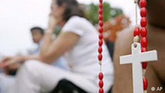 Menschen beten für das Leben von Terri Schiavo