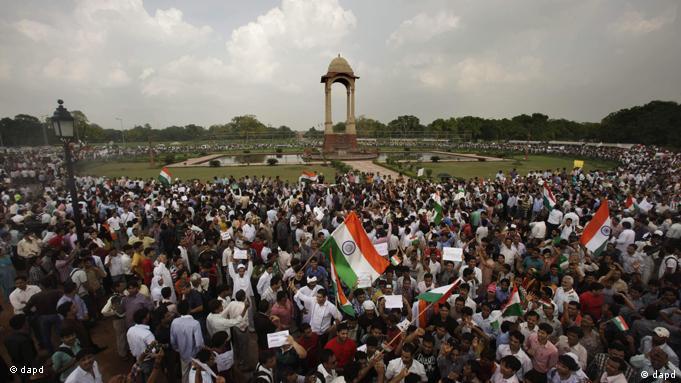 Flash-Galerie Indien Demonstration zur Unterstützung von Antikorruptionsaktivist Anna Hazare