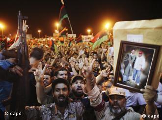 شادمانی مردم در مرکز طرابلس