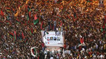 هزاران نفر از مردم طرابلس از ورود مخالفان مسلح به شهر استقبال کردند