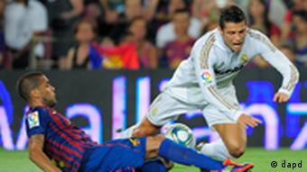 Fussball FC Barcelona vs. Real Madrid Cristiano Ronaldo und Daniel Alves