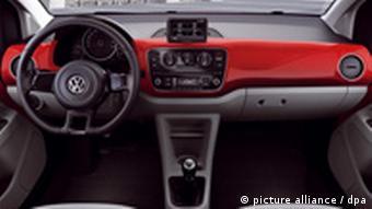 Volkswagen Se Lanza Al Mercado De Los Coches Pequeños Economía Dw 30 08 2011