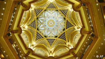 Aufnahmen des Luxus-Hotels Emirates Palace in Abu Dhabi