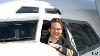 50 Jahre Lufthansa: Kapitänin Anke Harst