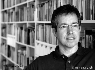 Para mim, literatura é uma forma de você escapar de si mesmo, diz Bernardo
