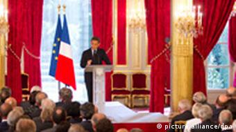 epa02890434 French President Nicolas Sarkozy addresses the Annual French Ambassadors Conference at the Elysee Palace in Paris, France, on 31 August 2011. Sarkozy on 01 September 2011 will host a conference in Paris of friends of Libya which is seen as a chance for countries that sat on the fence during the North African nation's six-month civil war to belatedly rally to the winning side. EPA/IAN LANGSDON +++(c) dpa - Bildfunk+++
