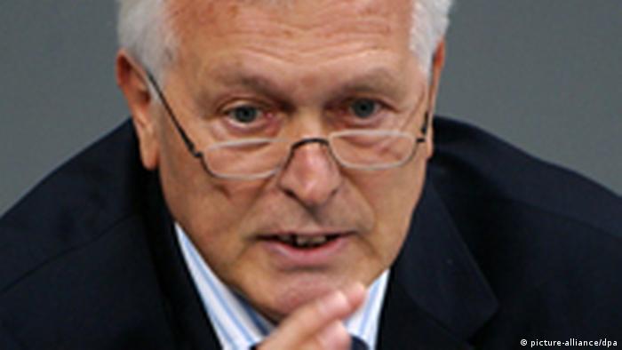 Bernd Schmidbauer, excoordinador del Servicio Secreto alemán