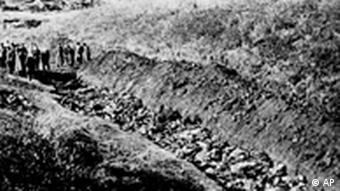 Бабий Яр, 1944 год. 14 тысяч тел были найдены советскими солдатами