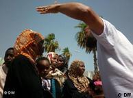 Gestikulierende Schwarzafrikaner in Tripolis(Foto: DW)