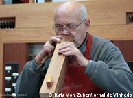 'Tudo é feito a mão', orgulha-se o organeiro natural de Berlim