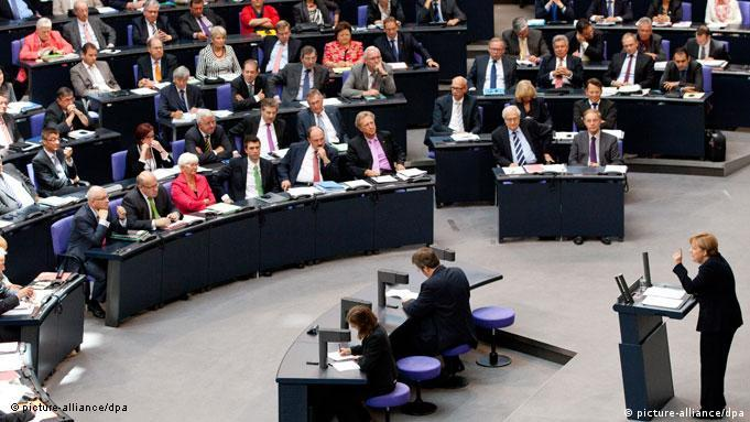 Flash-Galerie Bundestag Finanzplan Angela Merkel
