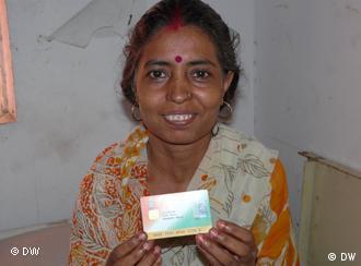 Patient Urmila Devi holds an RSBY Smart Card