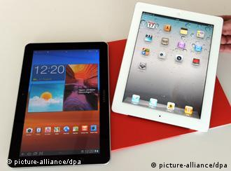 Photo shows the Apple iPad2 (l) and the Samsung Galaxy Tab 10.1 (r)