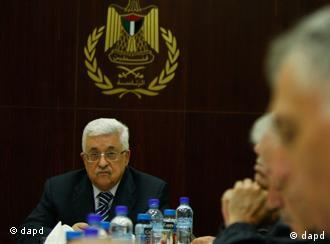 Palestinian President Mahmoud Abbas attends a meeting of the Palestine Liberation Organization (PLO) executive committee in the West Bank city of Ramallah, Thursday, Sept 8, 2011.(Foto:Majdi Mohammed/AP/dapd)