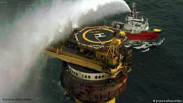 Flash-Galerie 40 Jahre Greenpeace Shell Brent Spar 1995