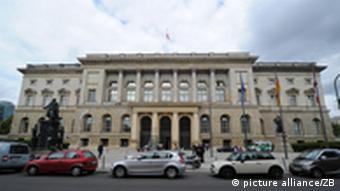 Außenaufnahme des Berliner Abgeordnetenhauses (Foto: Jens Kalaene)
