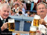 Oktoberfest 2011 - Kryeministri i landit Horst Seehofer dhe kryebashkiaku i Mynihut Christian Ude