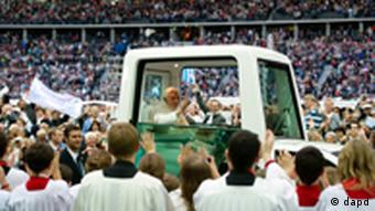 Папа Римский Бенедикт XVI на Олимпийском стадионе в Берлине