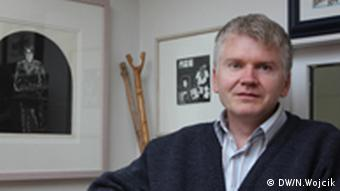 Autor Gyrdir Eliasson in seinem Arbeitszimmer in Reykjavik(Foto: DW / Nadine Wojcik)