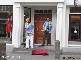 Musiker auf dem Laugavegur, der Haupt-Einkaufsstraße in Reykjavik 101 (Foto: DW / Nadine Wojcik)