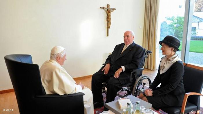 Гельмут Коль и Майке Коль-Рихтер на аудиенции у папы римского Бенедикта XVI