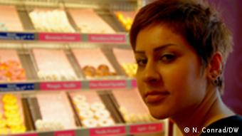 Aya samples donuts in Cologne