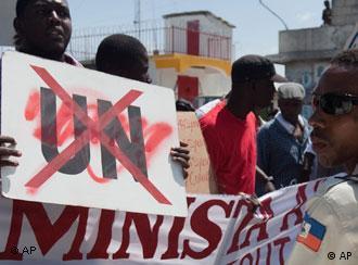 Demonstration in der haitianischen Hauptstadt Port-au-Prince gegen dei UN-Mission (Foto: AP)