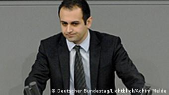 Μπιτζάν Τζιρ-Σαράι: «Προβληματικό ως γερμανός βουλευτής να δειπνώ στο ίδιο τραπέζι με αυτόν»