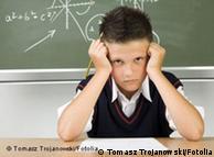 Frustração em sala de aula é recorrente em alunos com dificuldades para aprender a ler e escrever