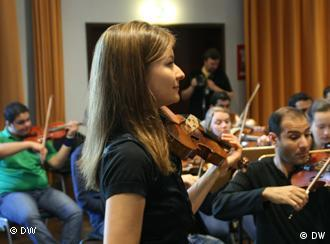 Arabella Steinbacher rehearses with Iraqi Youth Orchestra