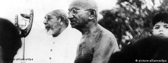 Suu Kyi believes in the teachings of Mahatma Gandhi