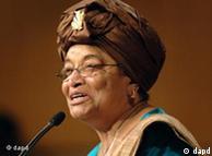 La présidente libérienne Ellen Johnson Sirleaf a reçu ce prix à quatre jours des élections présidentielles