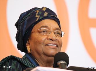 Ellen Johnson-Sirleaf, 72, quer um segundo mandato de seis anos