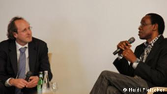 Nnimmo Bassey im Interview mit der DW