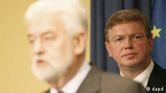 Komesar za proširenje EU Štefan File (desno) i premijer Srbije Mirko Cvetković