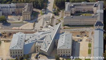 Museum aus der Luft aufgenommen Foto: Matthias Hiekel dpa/lsn