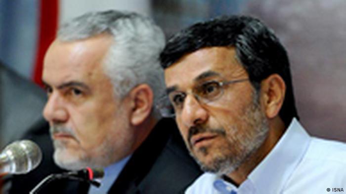 محمدرضا رحیمی معاون اول احمدینژاد در کنار او. الیاس نادران او را رئیس حلقه فاطمی معرفی کرده است