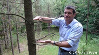 Bernhard Götz trata de hallar especies más resistentes al cambio climático.