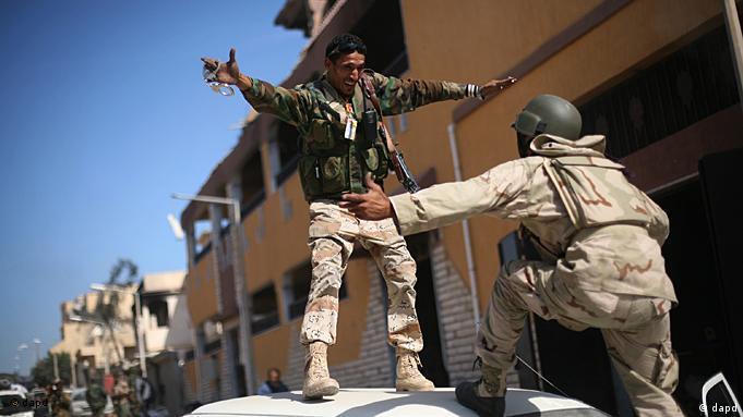 La joie des rebelles après la mort de Mouammar Kadhafi le 20 octobre 2011