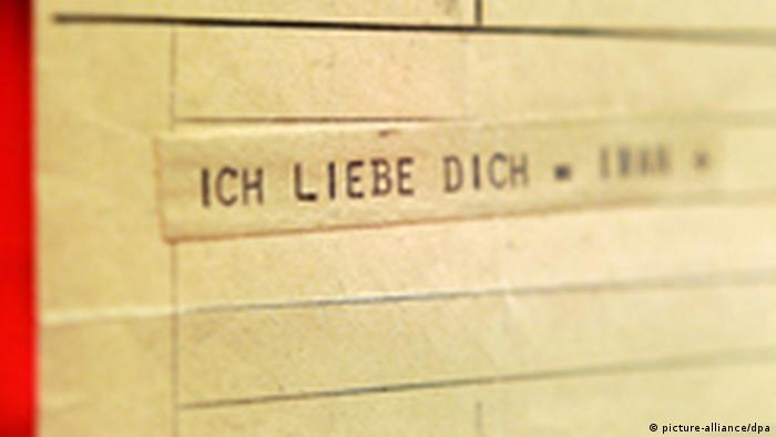 Telegramm, auf dem steht: Ich liebe dich