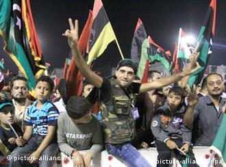 В Триполи празднуют взятие повстанцами города Сирт