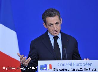 Саркози го убедува турскиот колега Ердоган дека спорниот закон не е против Турција