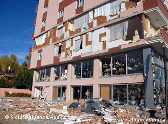 Eye witnesses describe terror of Van earthquake