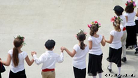 Tanz in Griechenland (Fotolia/stockmaker)