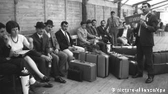 The first Turkish workers waiting to be processed on arrival in Germany in 1970 Photo: Bertram dpa