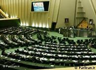 معاون محمود احمدینژاد تأکید کرده است که رئیسجمهور تنها در صحن علی مجلس حاضر میشود