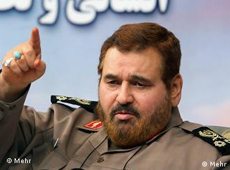 """به گفتهی سرلشکر حسن فیروزآبادی، استراتژی جمهوری اسلامی """"تهدید در برابر تهدید"""" است"""