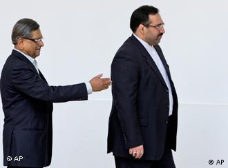 مقامات هند میگویند به زودی کاهش واردات نفت از ایران را آغاز خواهند کرد